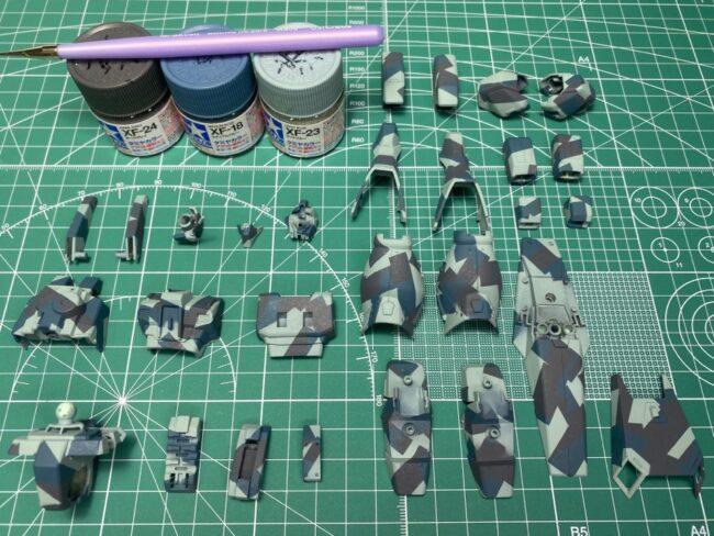 スプリッター迷彩 第3層 塗装  タミヤアクリルミニXF-23 ライトブルー
