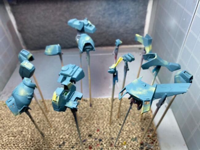 スプリッター迷彩 第2層 塗装タミヤアクリルミニXF-18ミディアムブルー」